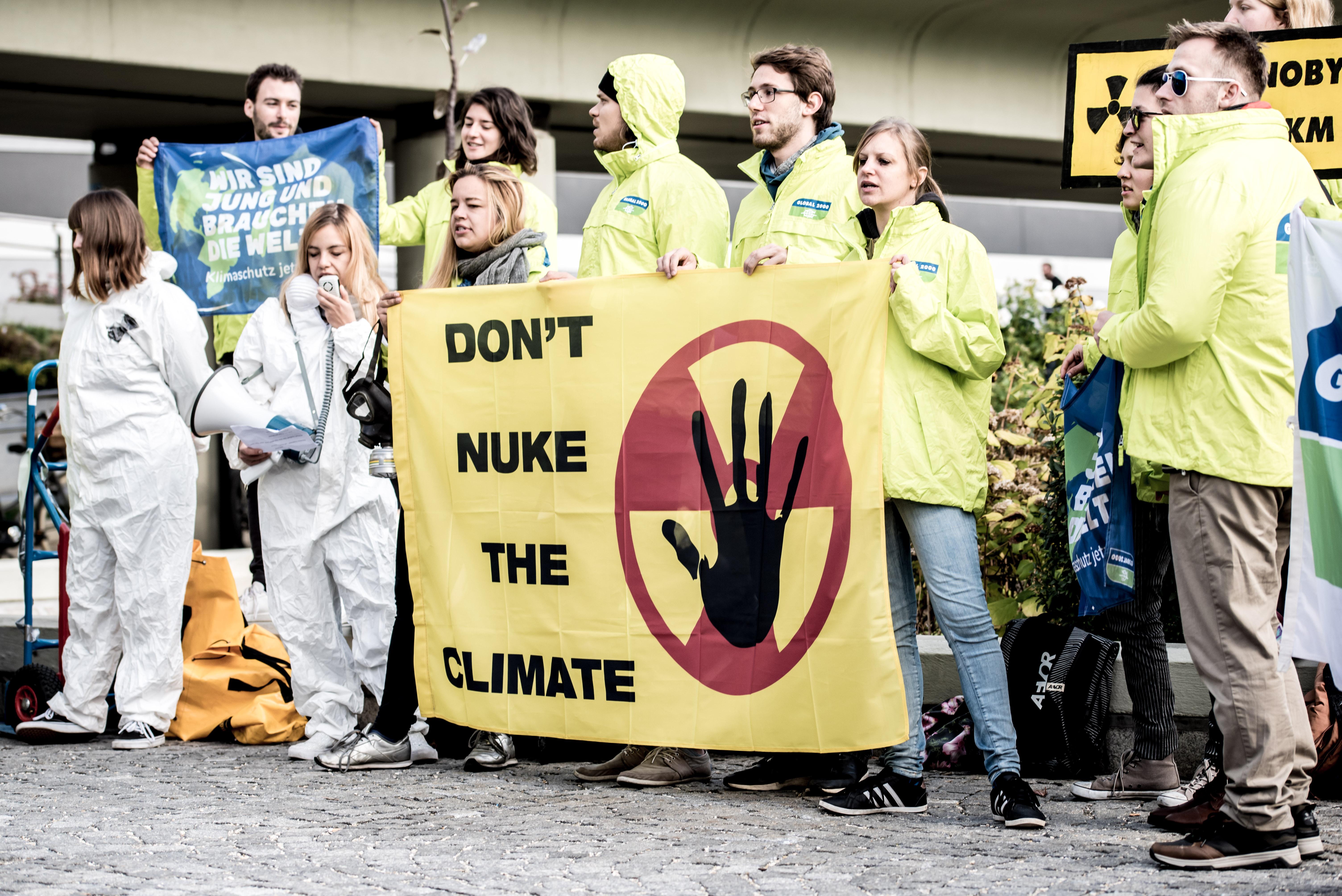 Protestaktion vor dem UNO Gebäude in Wien