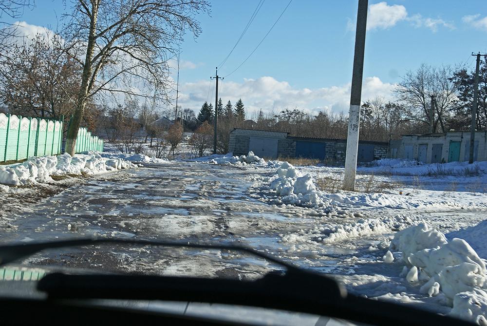 Schneebedeckte Straße nach Severdonetsk