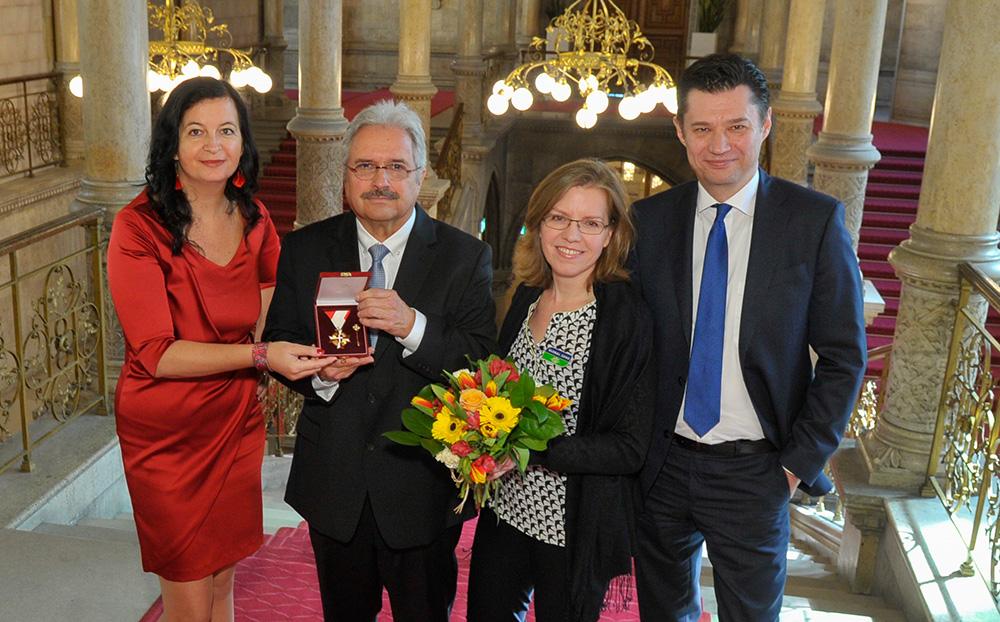 Goldenes Verdienstzeichen für Tschernobyl-Kinder Projektleiter Christoph Otto