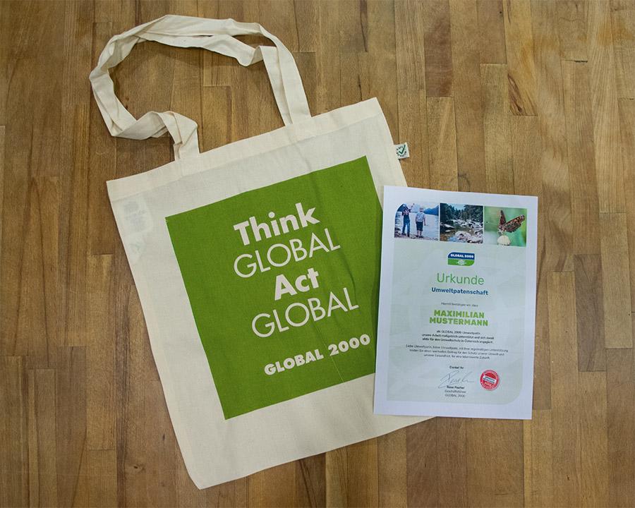 GLOBAL 2000 Stofftasche und Umweltpatenschaften Urkunde