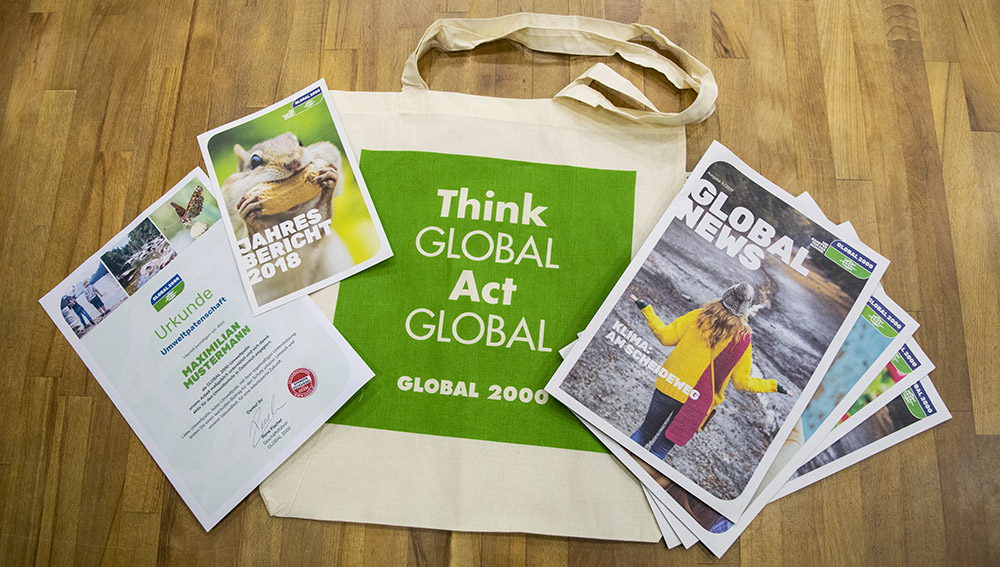Paket Umweltpatenschaft: Urkunde, Jahresbericht, Tasche, GLOBAL News