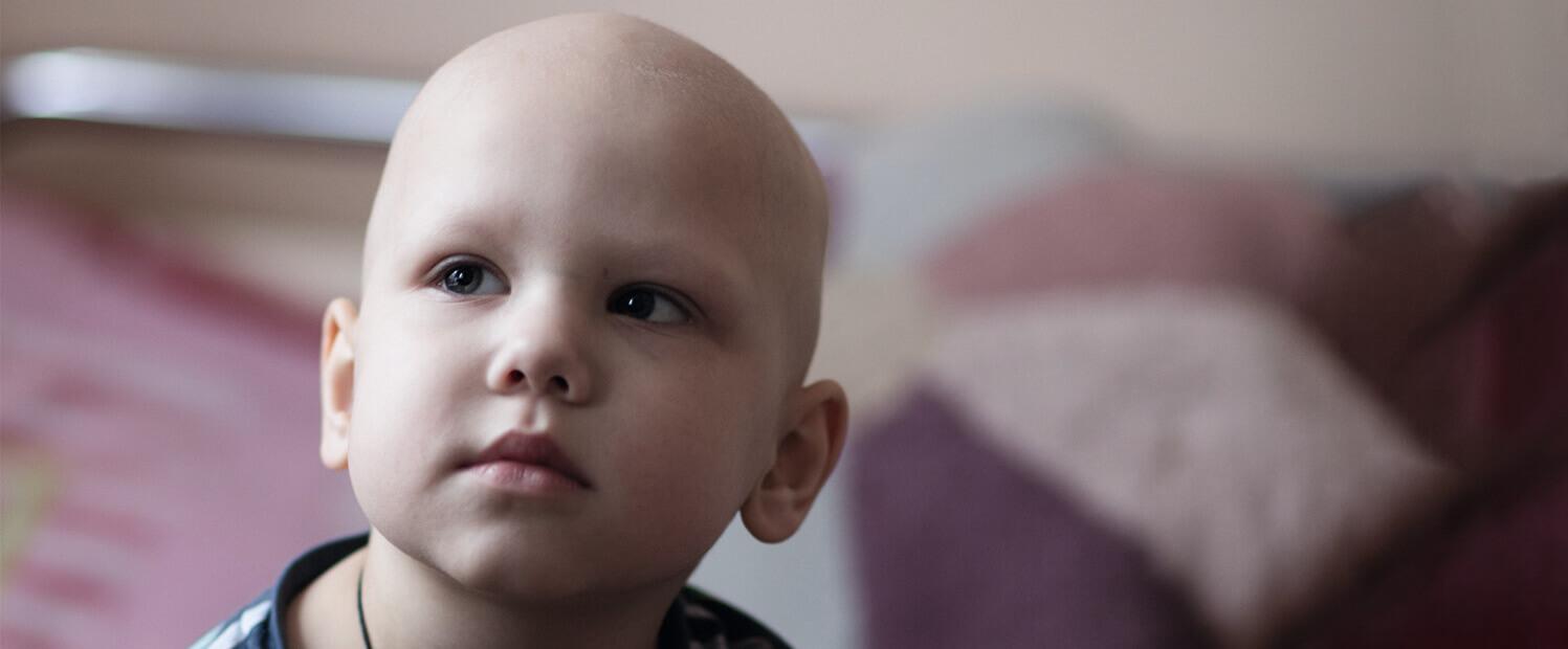 Tschernobyl-Kind mit hoffnungsvollen Augen