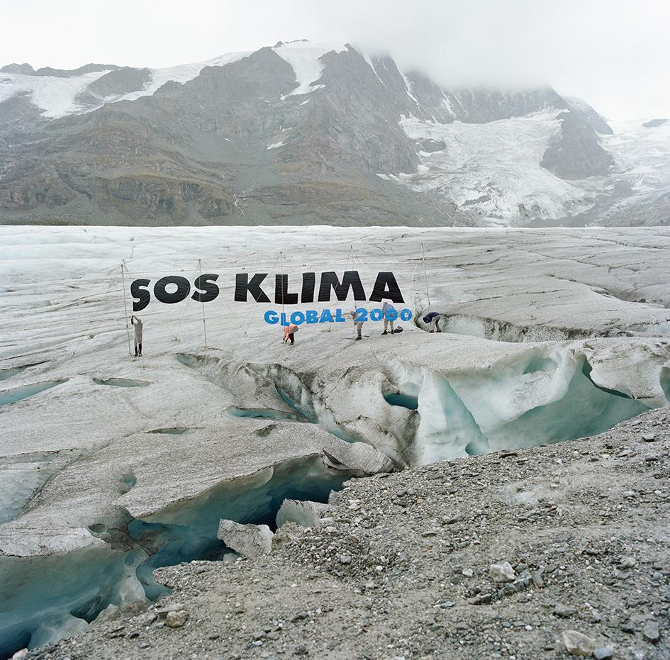 SOS Klima Banner am Großglockner Gletscher