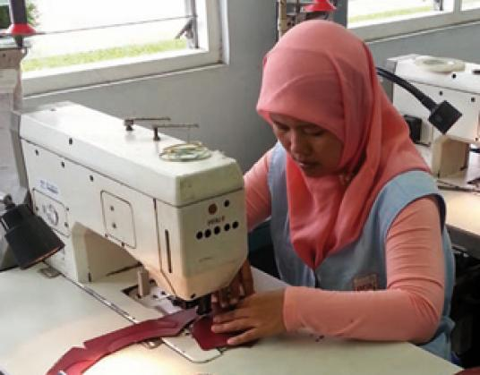 Schuhproduktion in Indonesien (c) Dietrich Weinbrenner